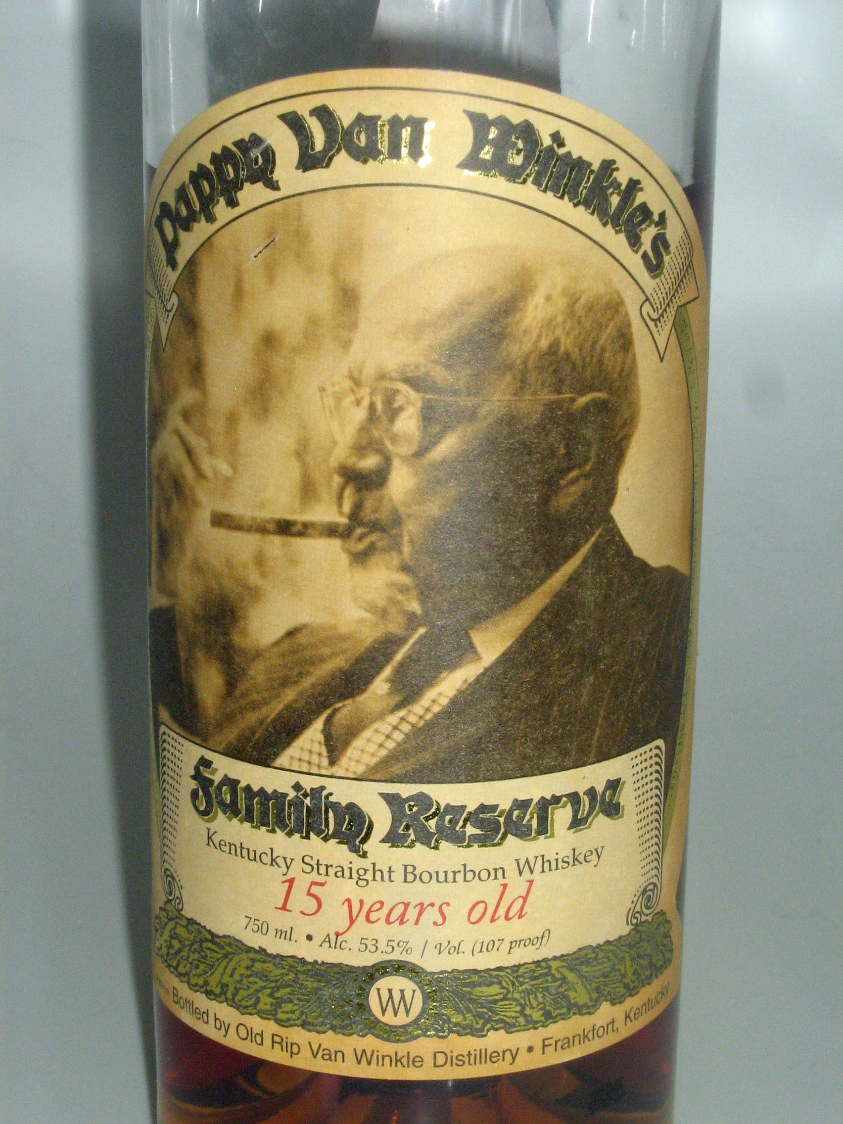 Pappy Van Winkle 15 Year Family Reserve Bourbon Whiskey